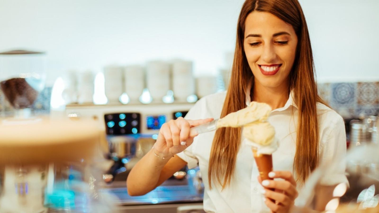 Σ' αυτή τη νέα τζελατερία θα δοκιμάσεις το παγωτό που προτιμάει ο Πάπας