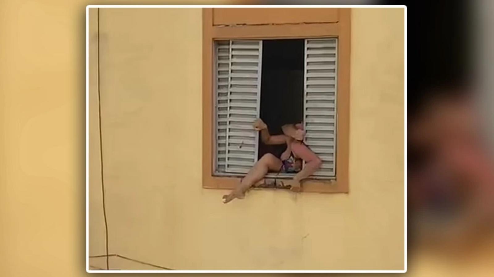 Έγκυος επιχειρεί να πηδήξει από το παράθυρο του σπιτιού της για να γλιτώσει από τον άντρα της
