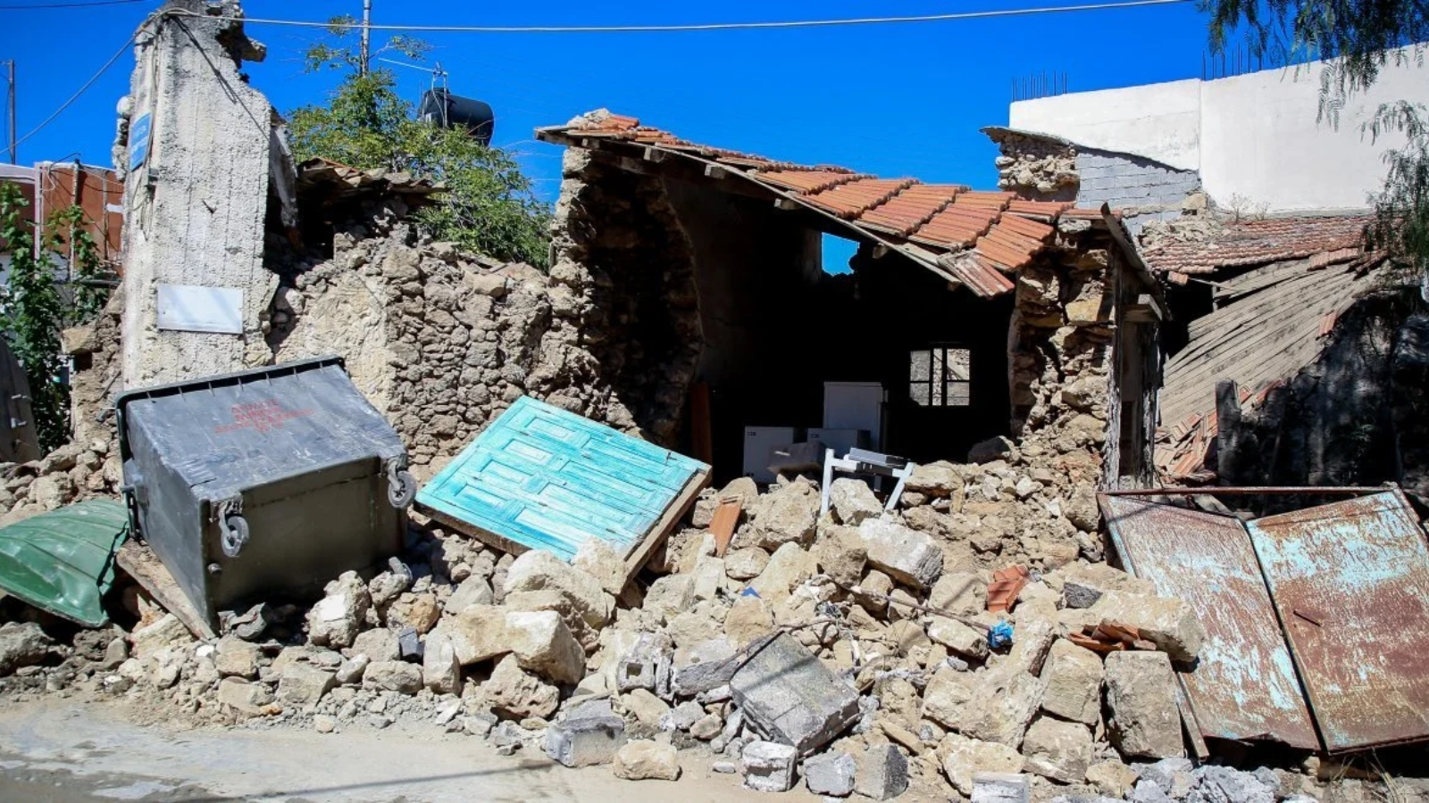 Κρήτη: 2.500 σκηνές για σεισμόπληκτους - Σε κατάσταση έκτακτη ανάγκης η περιοχή